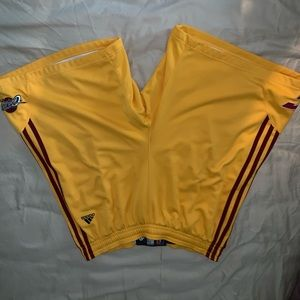Adidas Cavaliers basketball shorts size 3XL